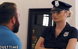 Turned Fapping - Officer Natalia Starr Turned Him Close to his Cock Widely