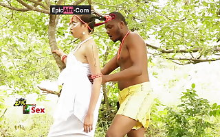 Sex helter-skelter an ebony goddess – outdoor in a shire