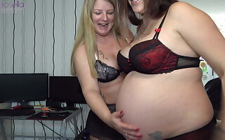 In the 9th month pregnant and horny!