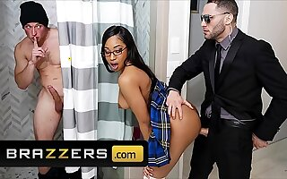 Mouldy Teen (Lala Ivey) Enjoys a Triple With reference to Two Guys - Brazzers