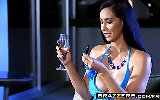 Brazzers - (Isis Love, Michael Vegas) - Grungy Coupled with Smoking